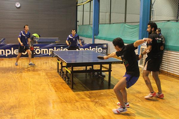 Tenimesistas acereros se coronan campeones en Torneo de Apertura por equipos