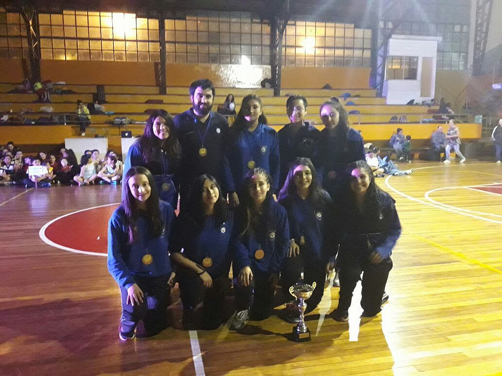 Equipo cestero femenino obtuvo tercer lugar en Temuco