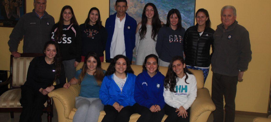 Gerencia del C.D.Huachipato hicieron un reconocimiento a Gimnasia Rítmica y Voleibol acerero
