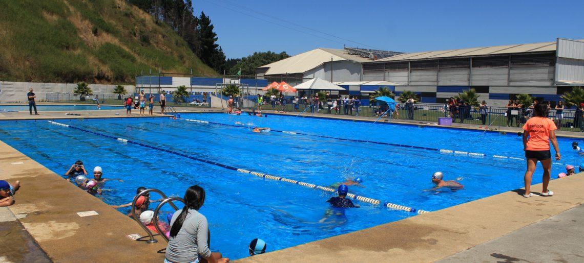 """Comenzó cuarto curso de natación y programa """"CAP Acero – Buen Vecino 2018"""""""