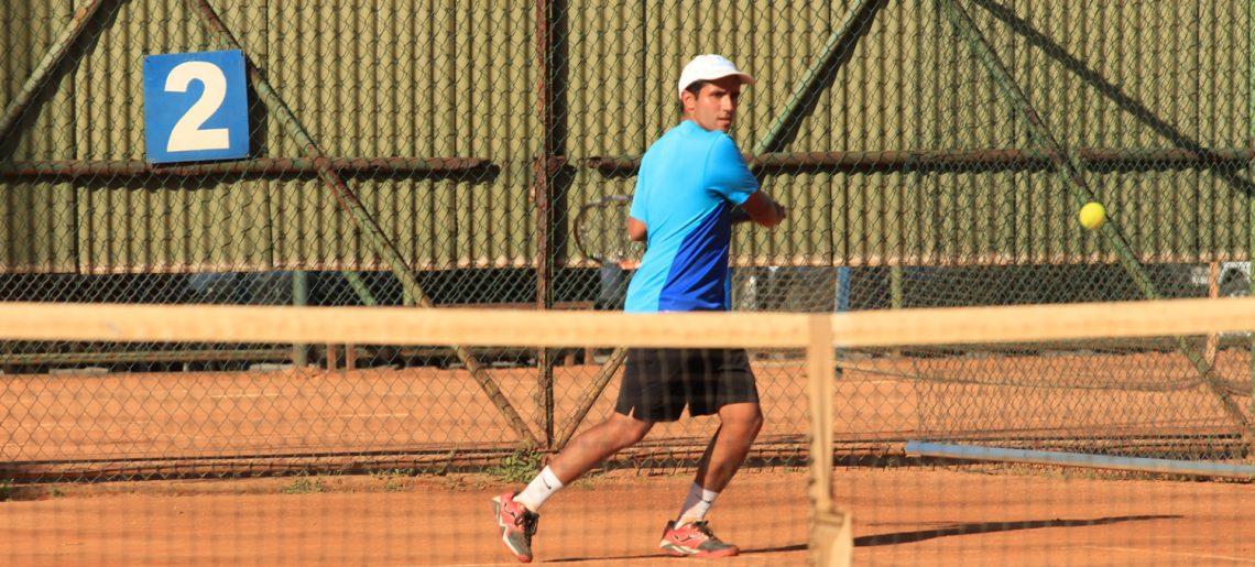 José Essman sigue con su legado en el tenis acerero