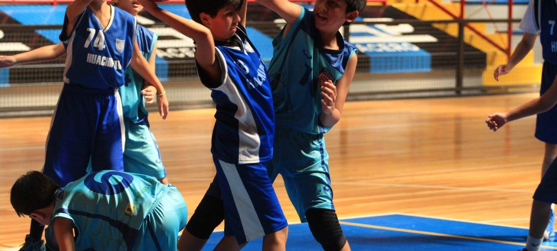 El basquetbol vivió una jornada de confraternidad deportiva