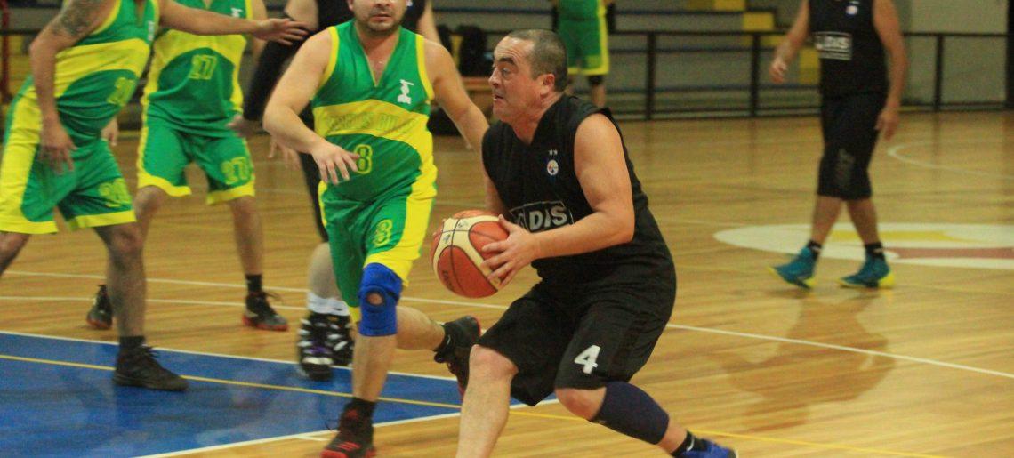 Arrancó liga de basquetbol senior