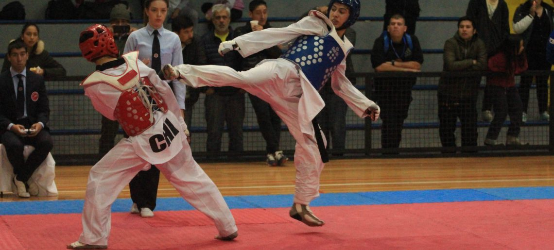Taekwondista de todo chile se dieron cita en el C.D.Huachipato