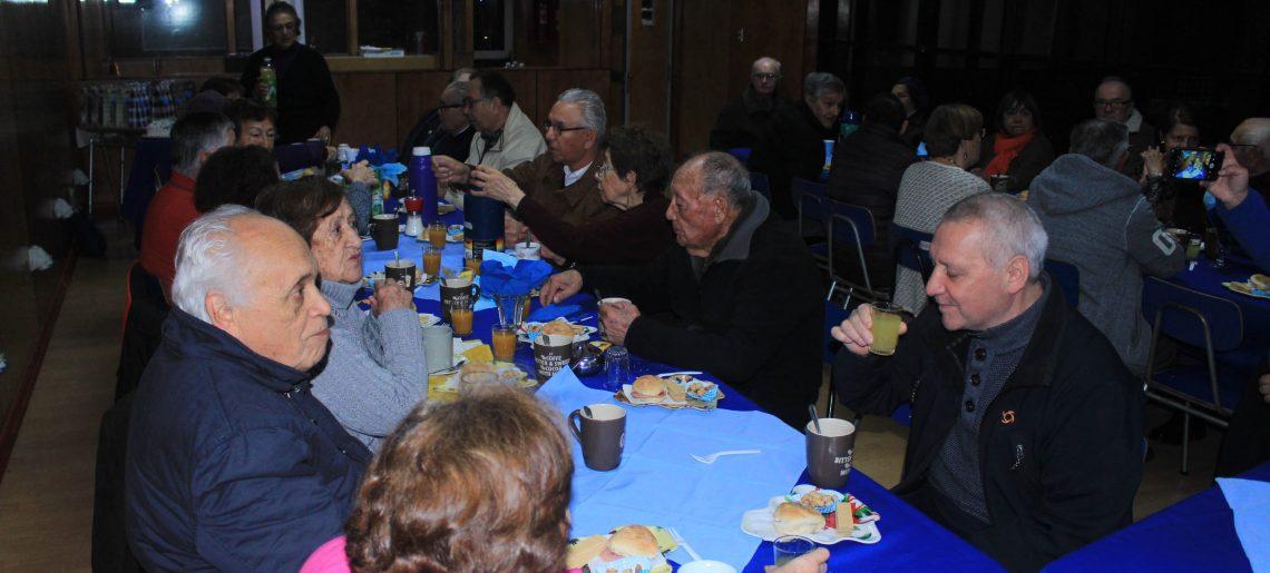 Adultos mayores celebraron el día del padre