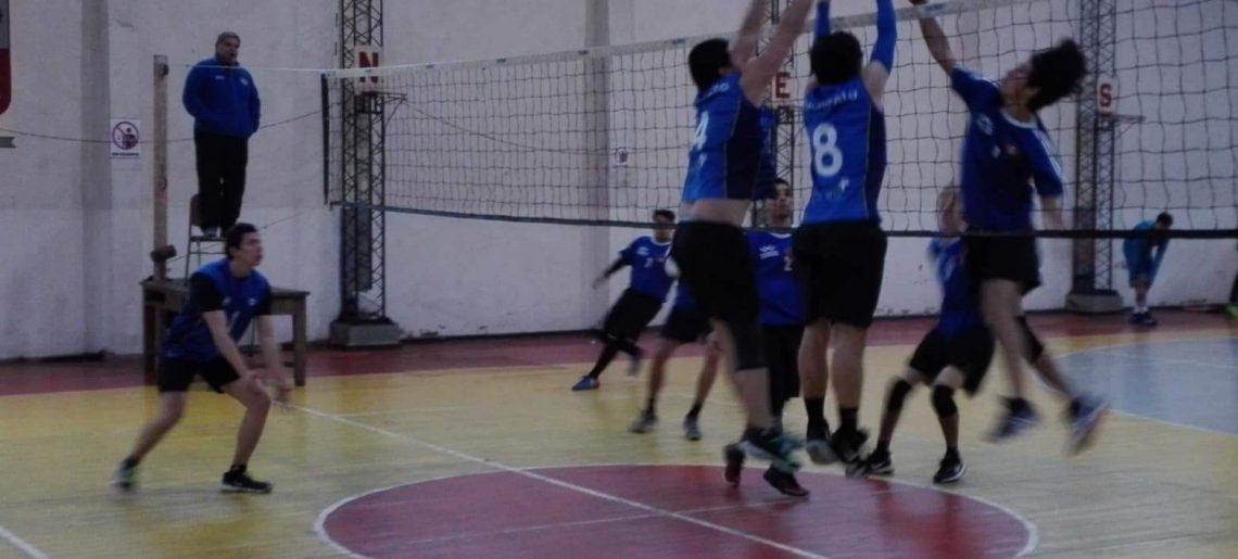 """Voleibol varones dijo presente en copa """"Ciudad de Chillán"""""""