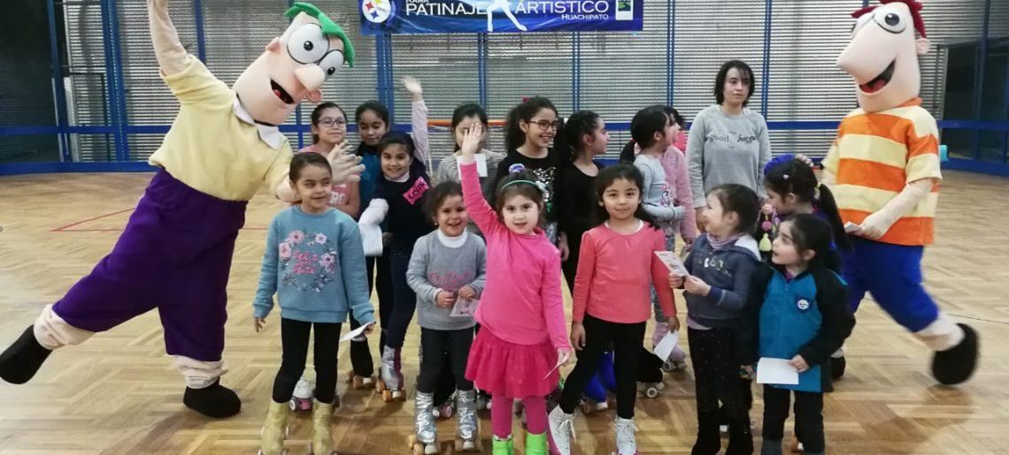 Phineas y Ferb, invitan a participar del Día del Niño