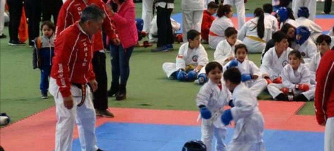 Karatecas acereros demostraron su talento en Los Ángeles