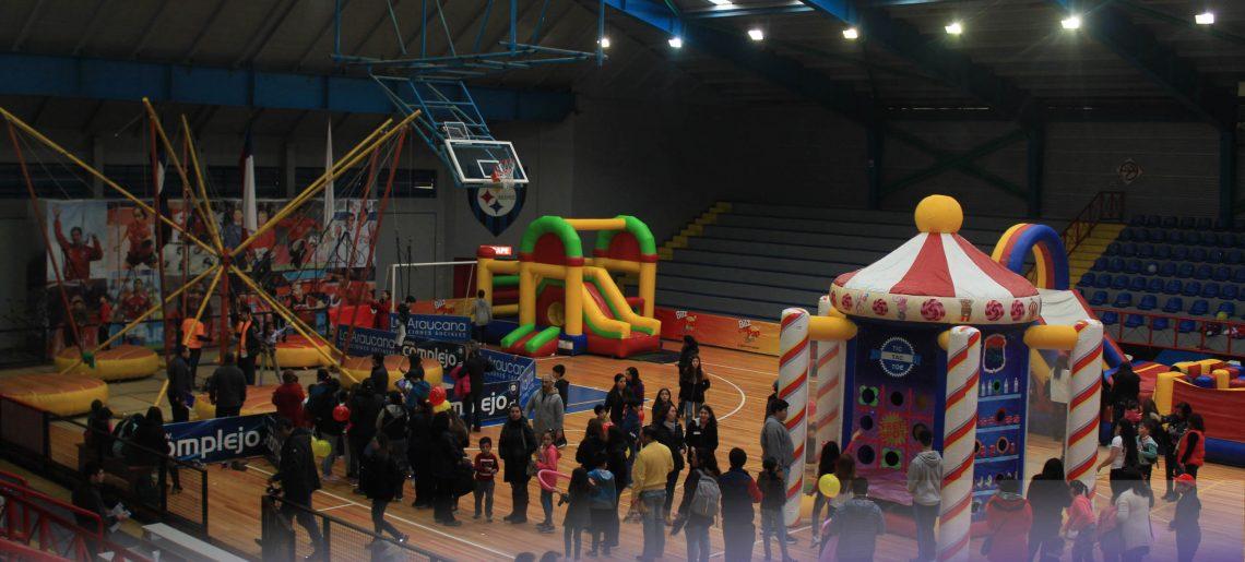 El Club Deportivo Huachipato festejó a los niños en su día