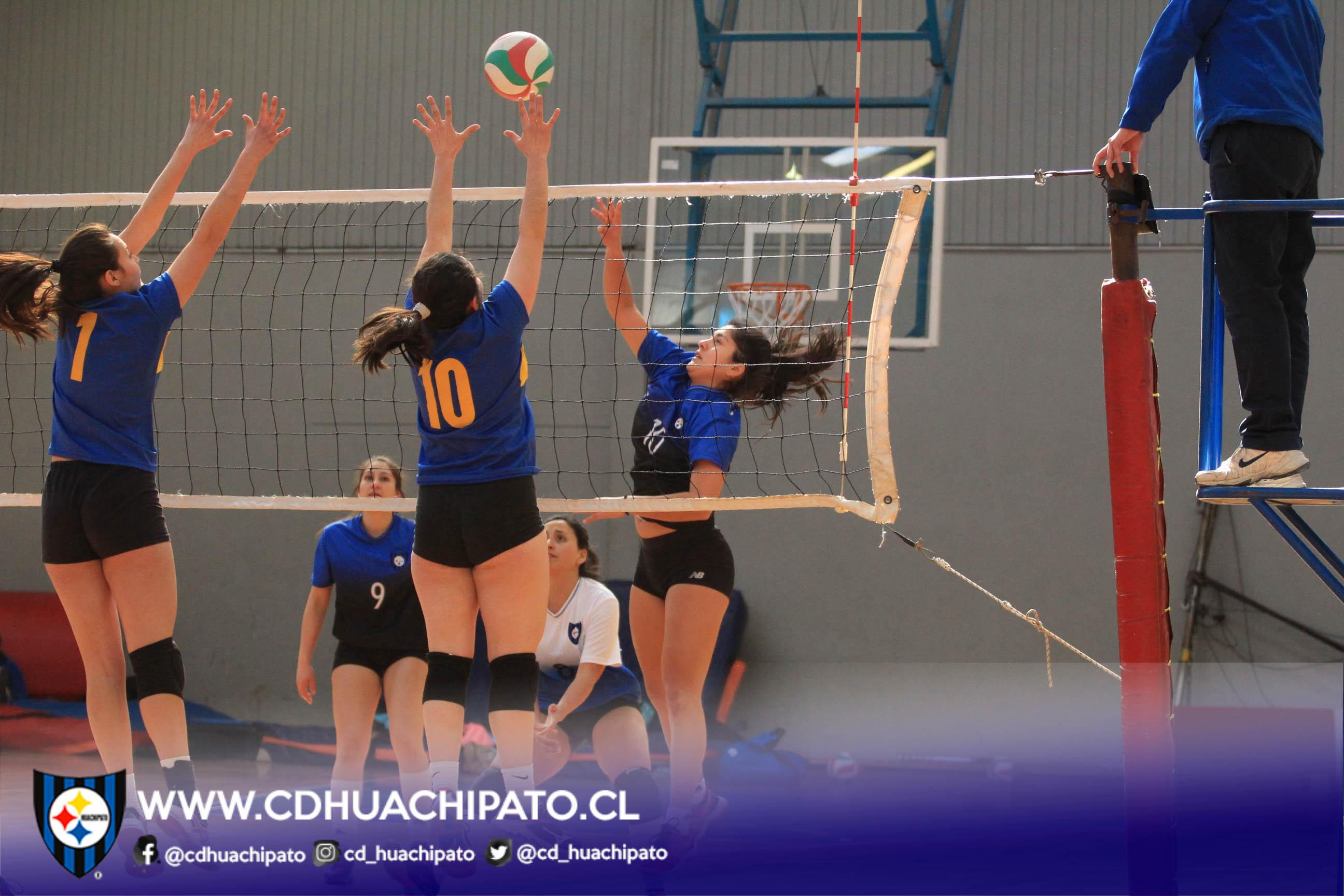 Equipos del voleibol femenino ya están entre los cuatro mejores de la Liga Sur