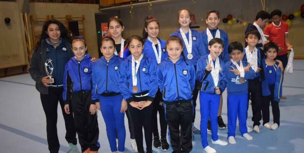 Gimnastas acereros brillaron en el Club Deportivo Alemán