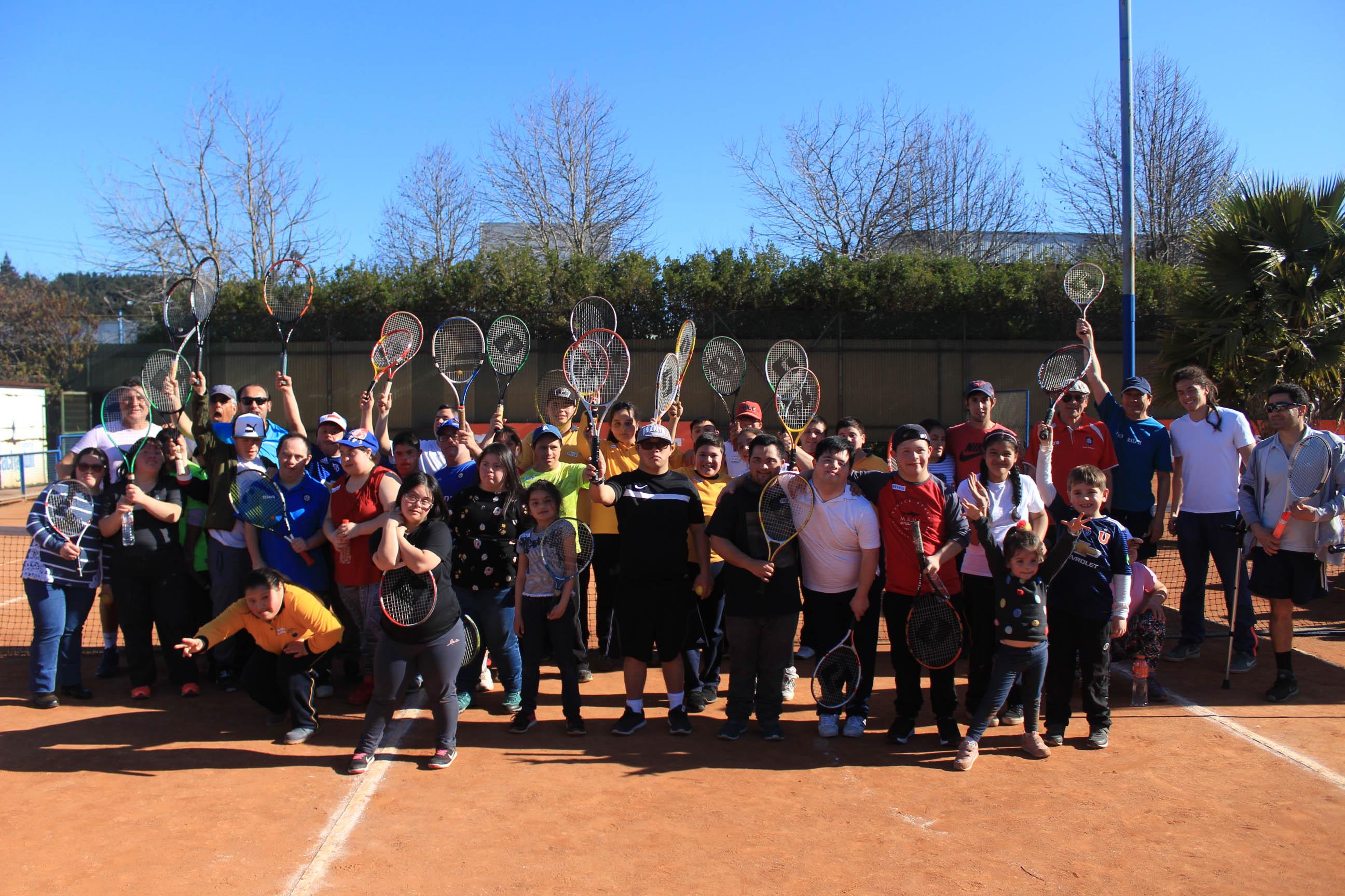 Actividad de inclusión social y deportiva se vivió en el C.D.Huachipato