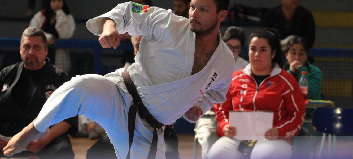 Karatecas de toda la región llegaron al C.D.Huachipato