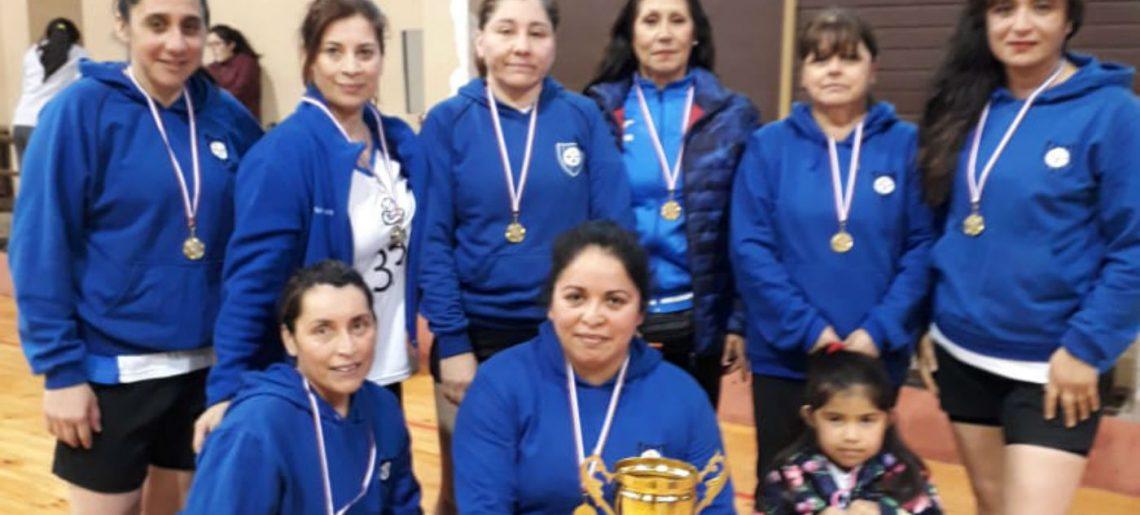 Basquetbol senior damas del Club Deportivo Huachipato gritaron campeón en Chiguayante
