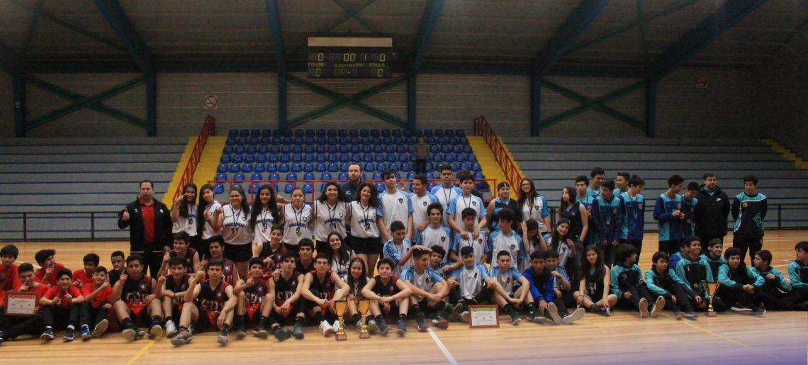 El básquetbol unió a deportistas en el C.D.Huachipato