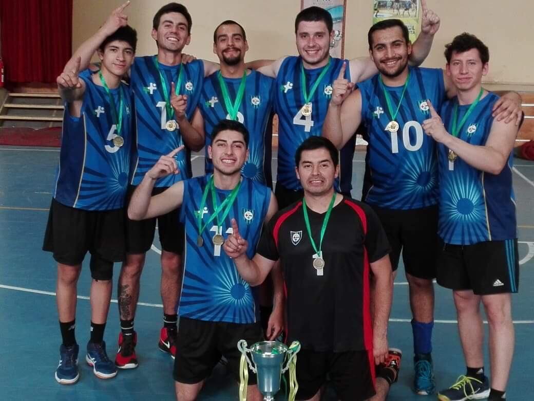 Voleibol acerero levantó el título en Lota