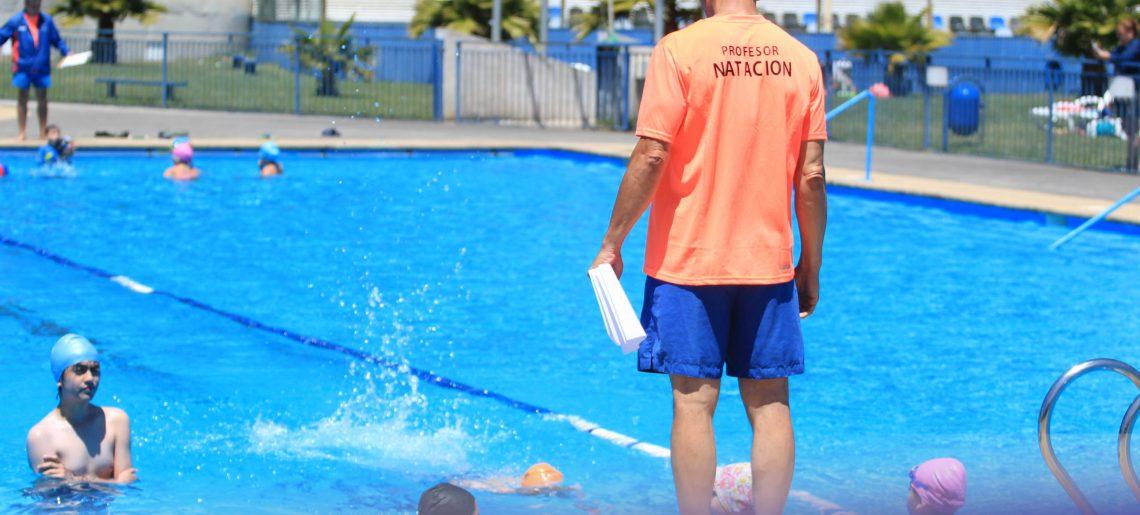 Con éxito se desarrolló el primer curso de natación