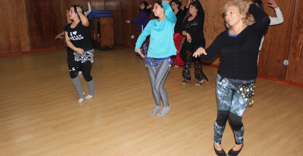 Danza Árabe, una clase para potenciar la femineidad y el cuerpo