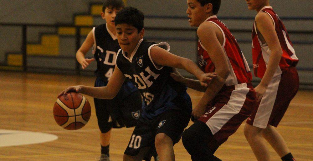 Huachipato cerró su mes de aniversario con cuadrangular de basquetbol