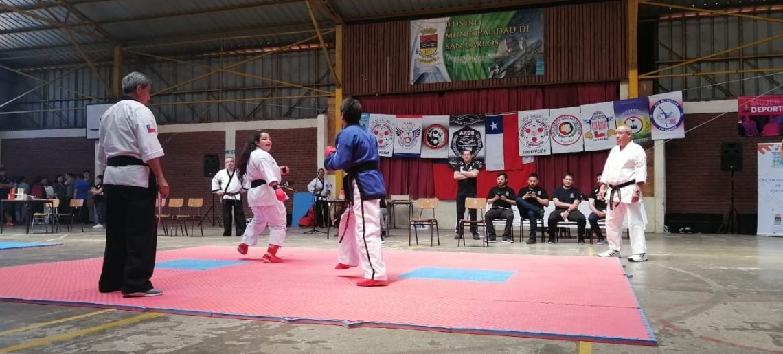 Karate compitió en torneo interregional de San Carlos