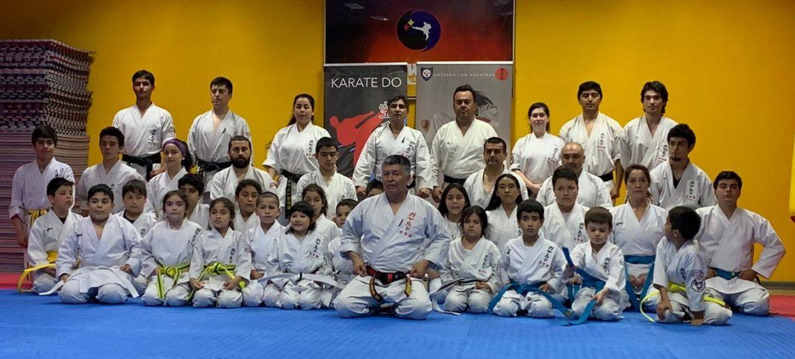 Karatecas acereros cambiaron de cinturón